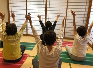 乳がんヨガ 乳がんサバイバーヨガ がんヨガ 兵庫県県民会館