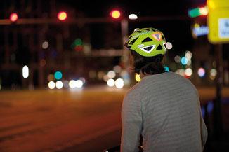 Foto: Abus / Rundum-Sichtbarkeit am Fahrradhelm