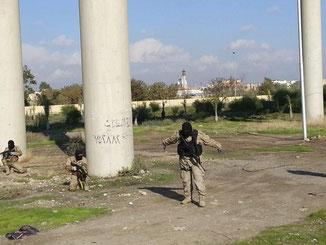 IS-Kämpfer bei einer Übung. Foto: Stringer/Archiv
