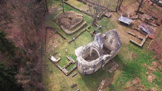 Vue aérienne du site de la chapelle de Fourches.