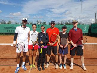 Die 3 Finalisten der A-Runde: Sven, Tanja, Caro, Frank, Lena und Dennis