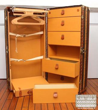 interieur wardrobe lv a vendre vuitton