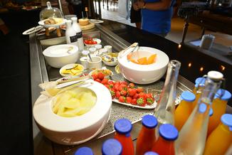Petit-déjeuner au Hameau des Baux