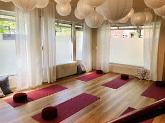 kursplan parinama yoga by christian junge. Black Bedroom Furniture Sets. Home Design Ideas
