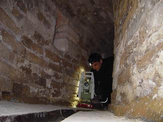 estandsaufnahme eines unterirdischen Stollens unter einem ehemaligen Kloster