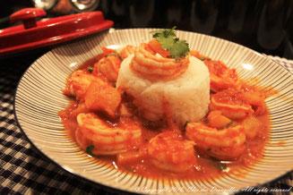 Crevettes aux épices douces et riz au jasmin
