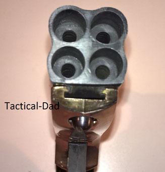Maverick Schreckschuss G100 Derringer von Perfecta. Die Mündungen sind intgrierte 9mm Abschussbecher.