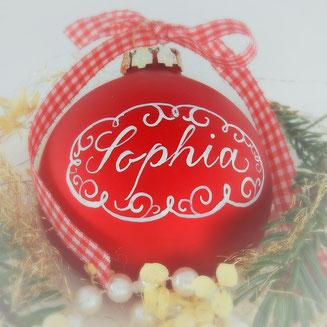 Personalisiertes Geschenk: Weihnachtsbaumkugel mit Namen