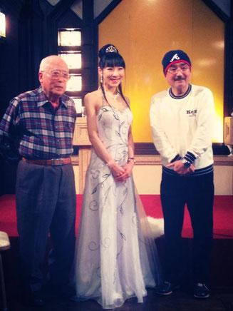 伊藤文学さん、西塔紅美さん、津沢彰秀さん
