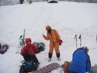 高鷲スキー場ゴンドラ下り場に戻って