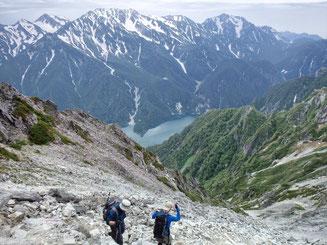 黒部湖を見ながらの稜線歩き