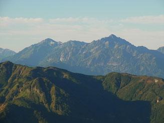 朝日岳山頂から剱岳アップ