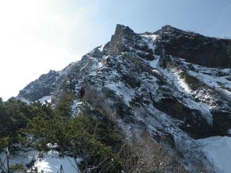 岩稜に取り付く