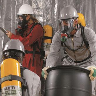 Ausbildung: Träger von Isoliergeräten, Anwendung von Isoliergeräten, Pressluftatmer, Schlauchgeräte