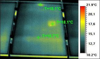 leichte Erwärmungen vereinzelter Zellen sind produktionsbedingt und können akzeptiert werden