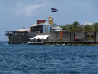 sehenswürdigkeiten-riffort-urlaub-curacao-villa-ferienhaus-pool-karibik