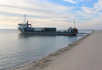 Bergung gestrandeter Seecontainer