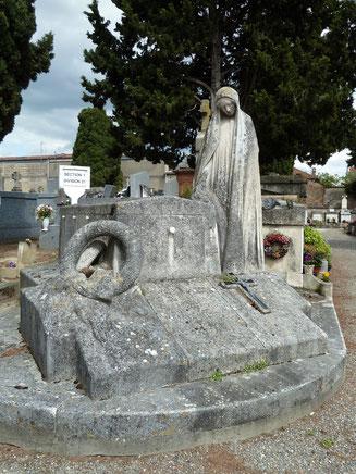 La tombe familiale au cimetière Saint-Cyprien