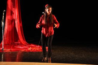conteuse sur scène