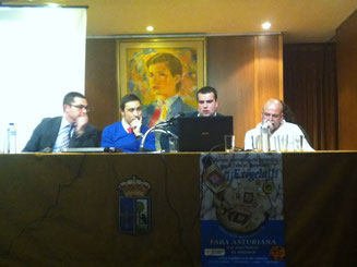 Momento de la charla de José Manuel Iglesias, pte. ACGA