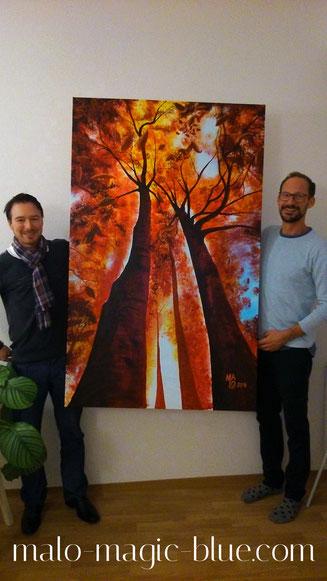 MaLo und MMag. Peter Felbermaier beim Platzieren der Bilder für die Ausstellung in Pischelsdorf