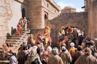 Les rois mages arrivent à Jérusalem.