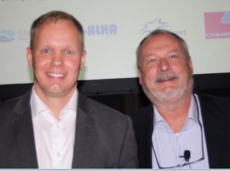 Finnair Cargo CEO Janne Tarvainen (left) and smart warehouse developer Uwe Beck at their recent Budapest-held presentation  -  photo: hs