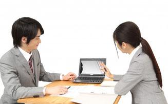 手技DVDドット・コムでは、日本全国の自費治療移行成功者の先生方と連絡を取り、現在の施術業界トレンドを把握し、売れ筋の手技DVDをいち早く入手して皆さまに提供しています。