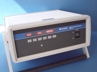 Luxtron 700 Series Fluoroptic Thermometer Model 710 für den chemischen Laborbedarf