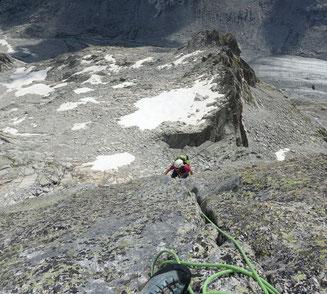 Albigna, Klettertour, Bergschuhklettern, Piz Casnil Ostgrat, Schlüsselstelle