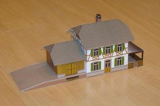 Bahnhof Elm von der Seite des Güterschuppens