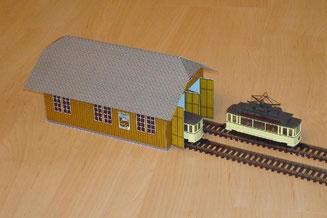 Depot Schwanden mit Gogtram Strassenbahnfahrzeugen auf Kleinbahn Geleisen der Spur H0