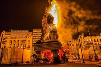 バレンシアの火祭り-クレマ