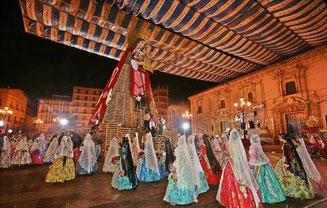 バレンシアの火祭り-ロフレーナ・デ・フロールス