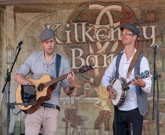 Foto: Kilkenny-Band: das Duo Dennis Fehlauer (links) und Jascha Kemper (rechts)