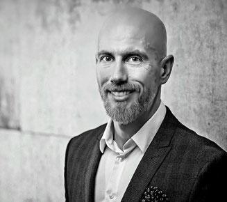 Michael Totz, Diplom-Bankbetriebswirt