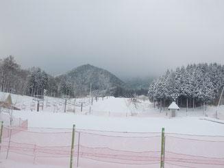 2017年末、いぶきの里スキー場オープン。今日は新雪!