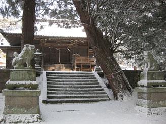 滋野神社(新張)の拝殿