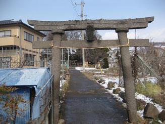 滋野神社(海善寺)の第一の鳥居