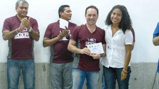 9.000 USD en becas entregados en Junio de 2014 en Venezuela