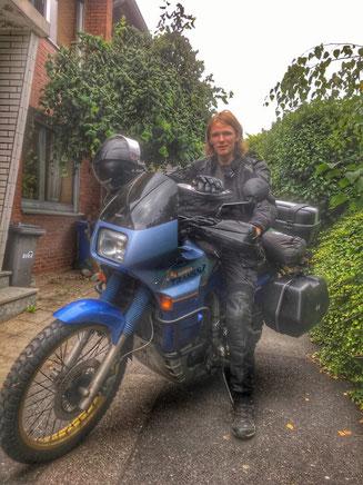 Reisemotorrad Europa Transalp mit Koffern Jannis Riebschläger