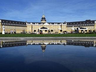 Das Schloss Karlsruhe, in dem auch das Badische Landesmuseum untergebracht ist. Foto: Uli Deck/Archiv