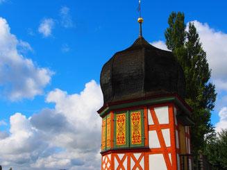 dekorativ, der historische Wachturm am Rhein