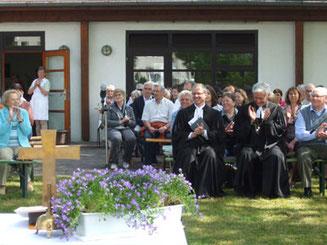 Landesbischof Dr. Cornelius-Bundschuh und Pfarrer Michael Winkler Christi-Himmelfahrt 2015 in Hügelsheim