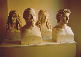 4 of the 24 marble busts (f. l. t. r.: Prince Eugene of Savoy, Gustavus Adolphus, Turenne, Alexander the Great)