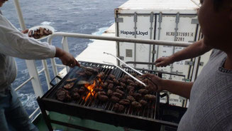 Bild: Barbecue an Board