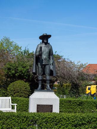 Bild: Fritz von dem Berge Denkmal in Bleckede