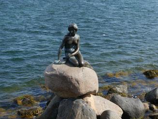 Bild: Das Wahrzeichen Kopenhagens: Die kleine Meerjungfrau