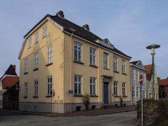 Bild: Die Königliche Apotheke in Glückstadt