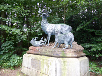 Bild: Skulptur der Hirsche